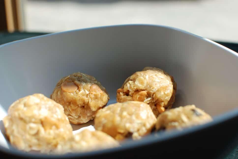 Peanut Butter Oatmeal No-Bake Cookie Dough Balls