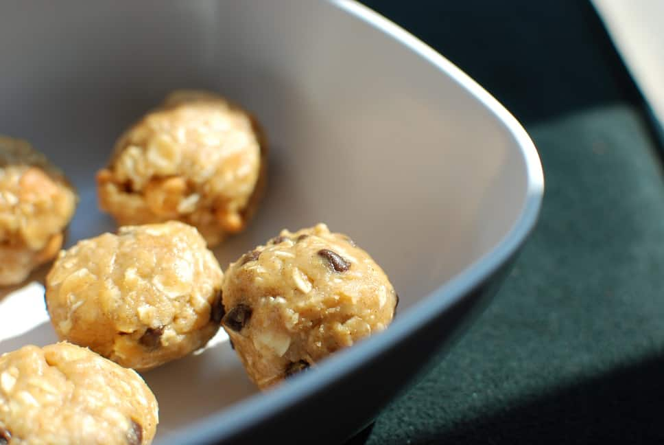 Peanut Butter Oatmeal Balls with Chocolate Chips