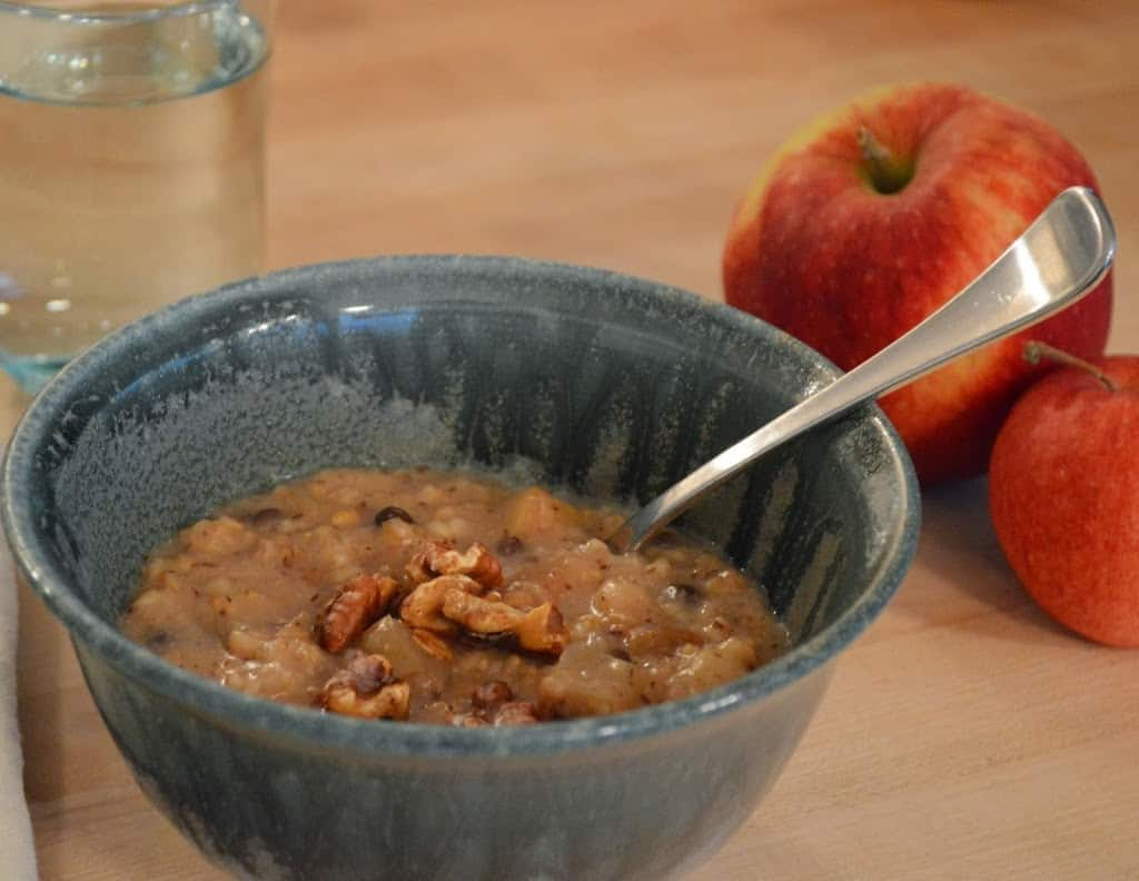 Slow Cooker Maple Apple Oatmeal