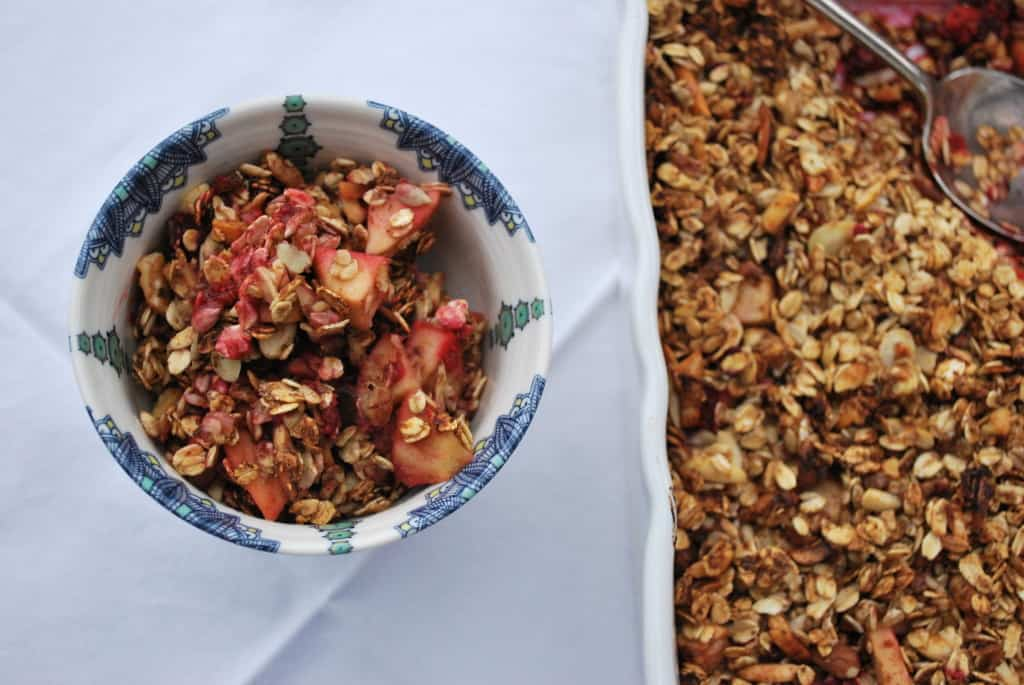 Raspberry Apple Granola Crumble