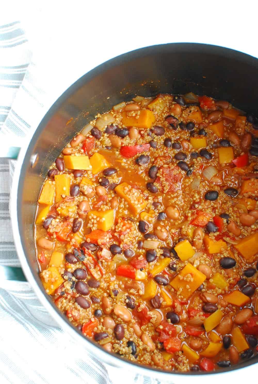 A large pot full of butternut squash quinoa chili.