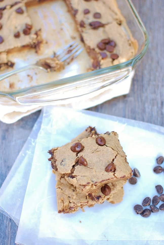 These butter bean blondies are the ultimate in healthy desserts! They're flourless, gluten free, and vegan friendly. Easy to make with just 8 simple ingredients.| Healthy Dessert Recipes | Clean Dessert Recipe | Blondies Recipe | Blondies Bars | Dairy Free Dessert