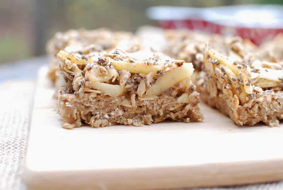 These vegan and gluten free breakfast bars will have you saying yes to apple pie for breakfast! Apple pie breakfast bars are made with natural, whole food ingredients and are a great healthy recipe for the whole family.