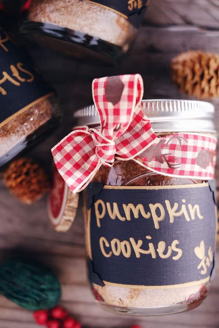 DIY Pumpkin Cookies in a Jar
