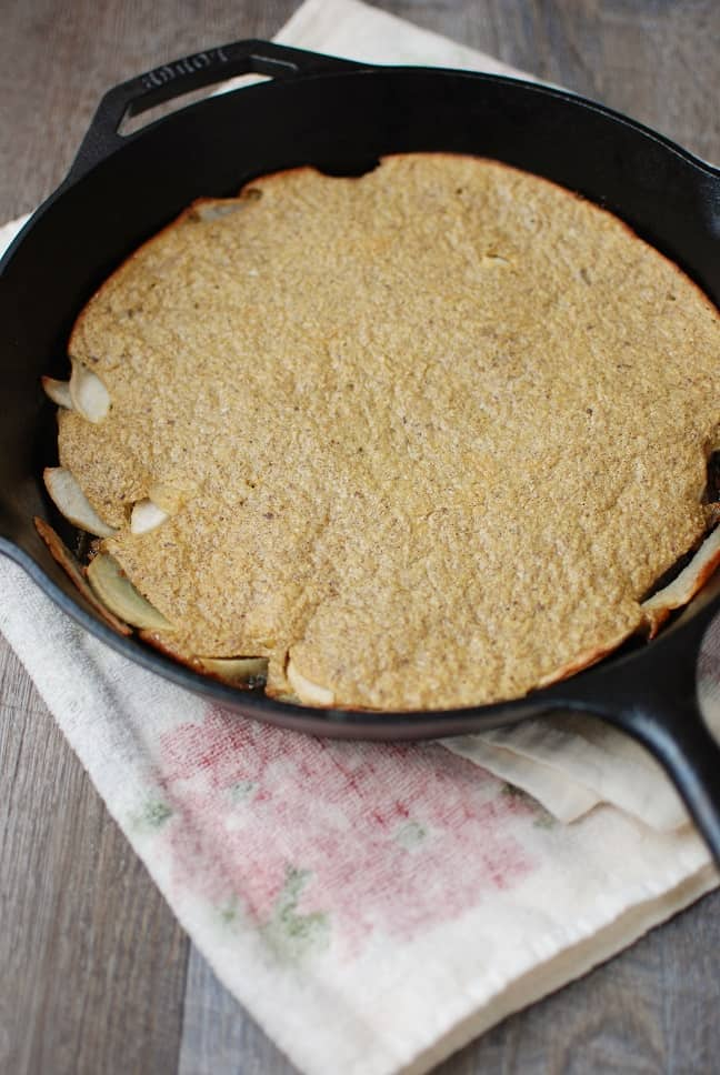 This healthy baked dutch apple pancake is fabulous for brunch or a lazy weekend at home! This breakfast recipe is gluten free and dairy free but still packed with flavor. And at only 250 calories per serving, it can fit into anyone's meal plan!