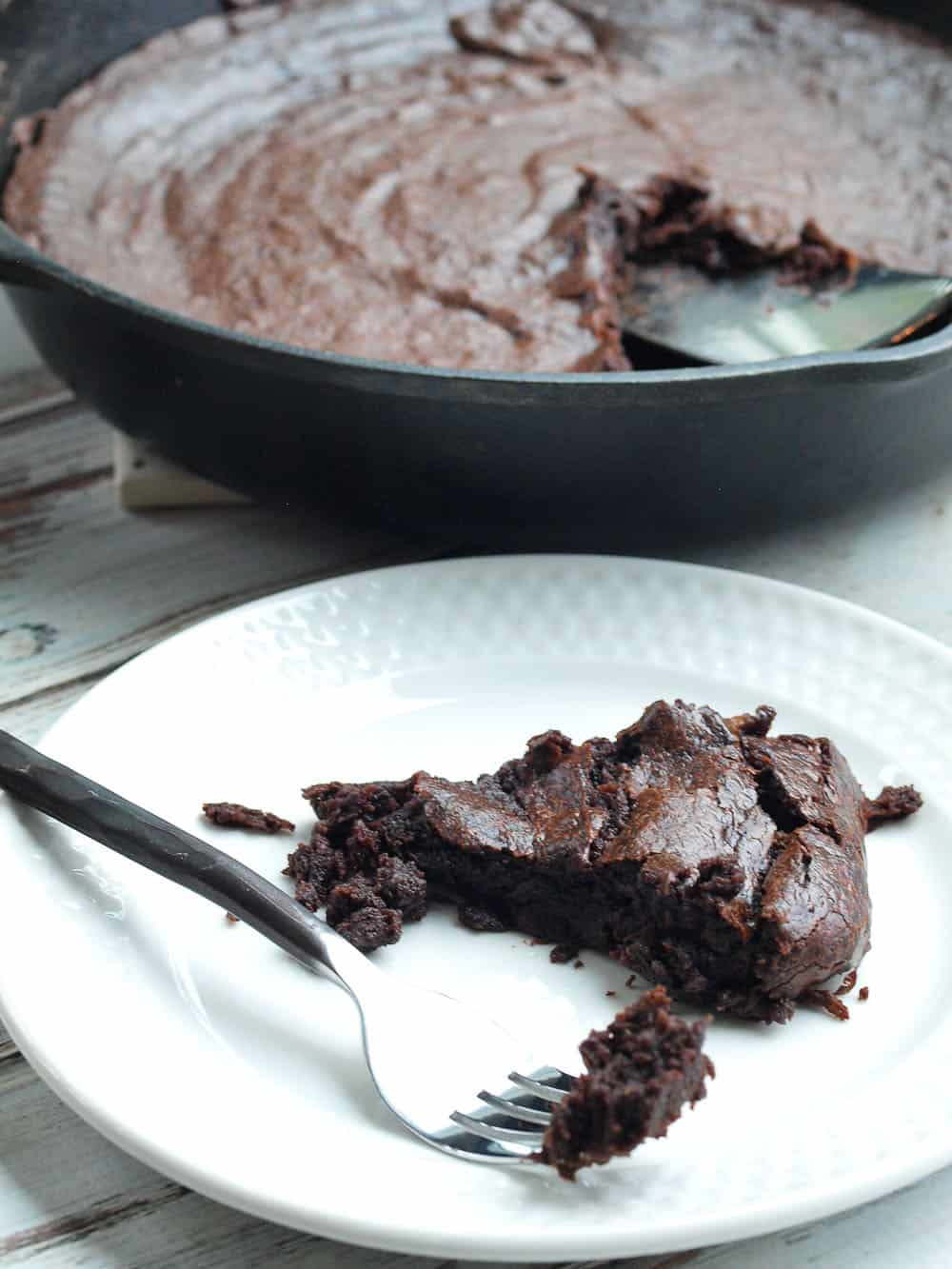 Chocolate Fudge Banana Cake | Healthy Cast Iron Skillet Recipes for Dessert