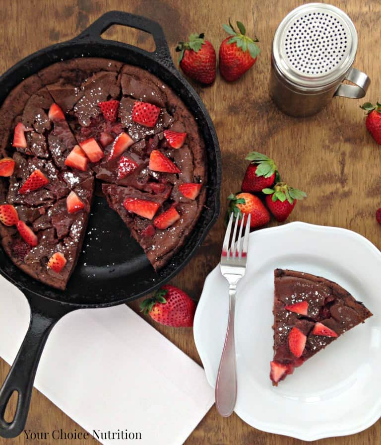 Chocolate Strawberry German Pancakes | Healthy Cast Iron Skillet Recipes for Dessert