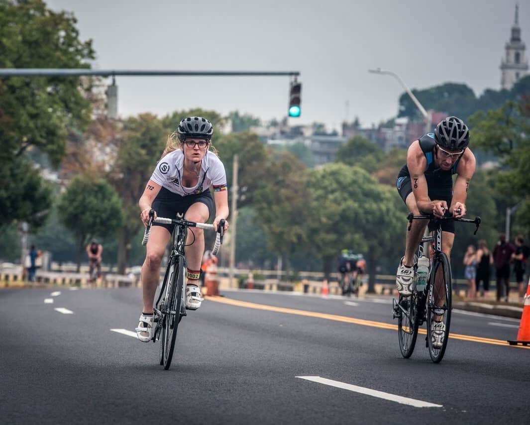 Thinking about training for a triathlon? The Boston Triathlon is a perfect event for beginners and experienced triathletes alike. With sprint and Olympic distances, a flat course, and free beer at the finish – this is a race you'll want to add to your calendar this year!