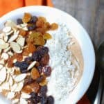 Whip up this gorgeous carrot cake smoothie bowl recipe with a handful of healthy, nutritious ingredients! Each serving has 17 grams of protein plus lots of healthy carbohydrates, making it a great recovery meal option.