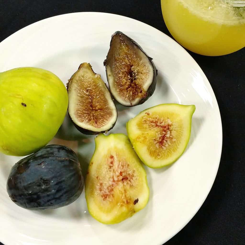 How gorgeous are these fresh figs?! Absolutely loving munching onhellip