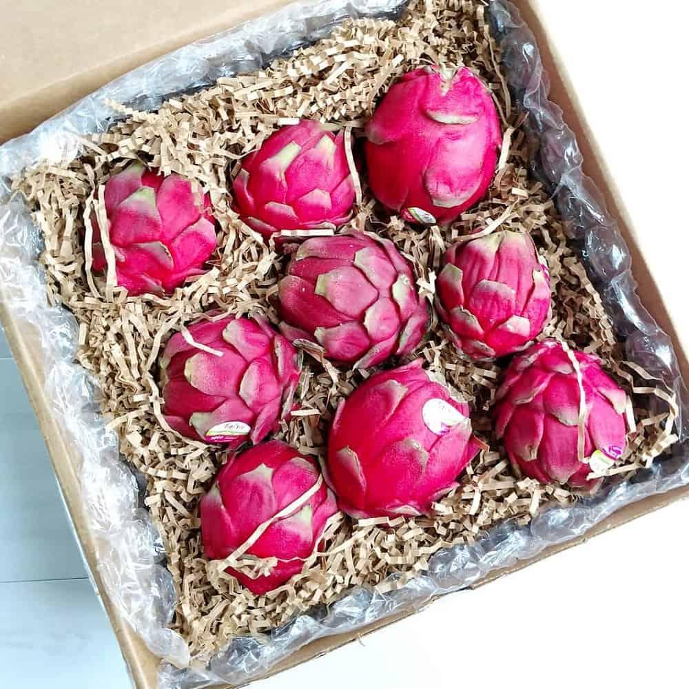Box of 9 dragon fruit