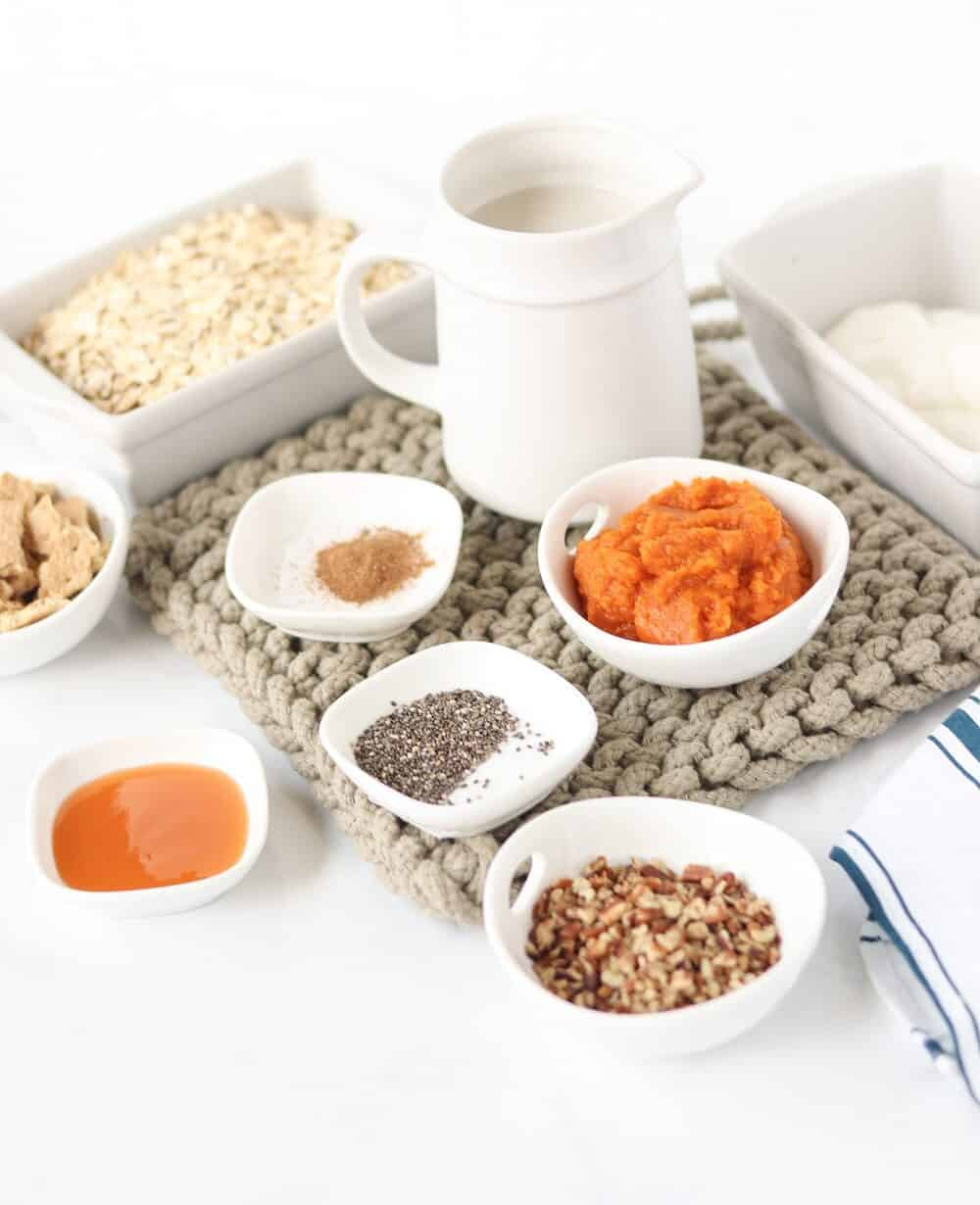 Ingredients to make caramel pumpkin overnight oats
